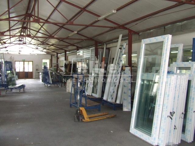 Obiekty komercyjne na sprzedaż RECZ