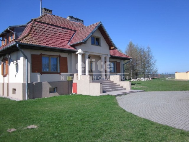 Domy na sprzedaż REWAL