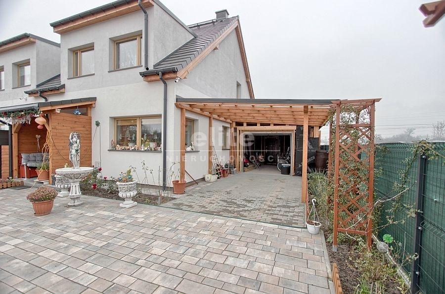 Domy na sprzedaż ZIELENIEWO